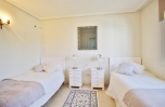 Beachfront Townhouse for sale Estepona Spain (18) (Large)