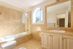 bathroom bedroom 1 bis