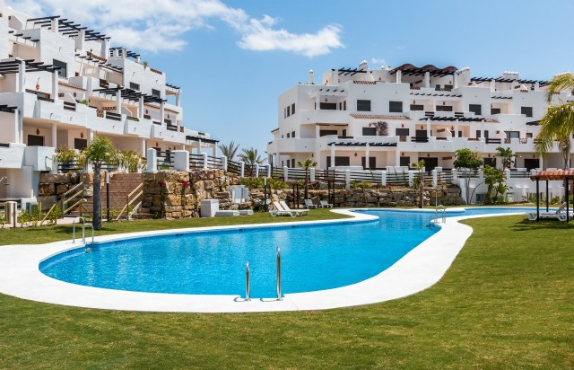 26 POOL SUNSET GOLF DISCOUNT PROPERTY CENTER MARBELLA