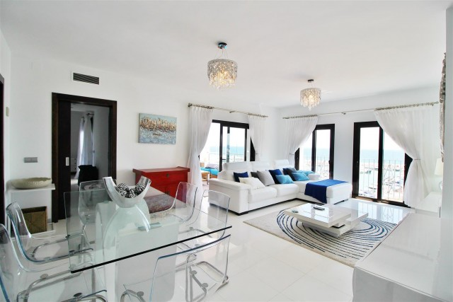 Luxury Modern Style Apartment for sale Puerto Banus Marbella Spain (1) (Large)